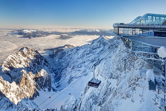 Zugspitze - der höchste Berg Deutschlands mit seiner neuen Weltrekord Seilbahn