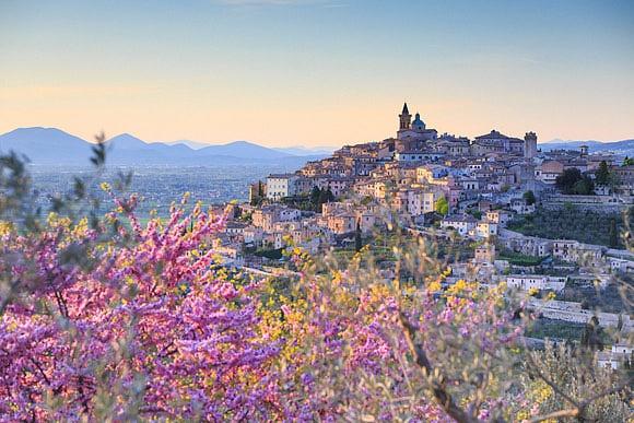 Umbria and Tuscany by Maurizio Rellini