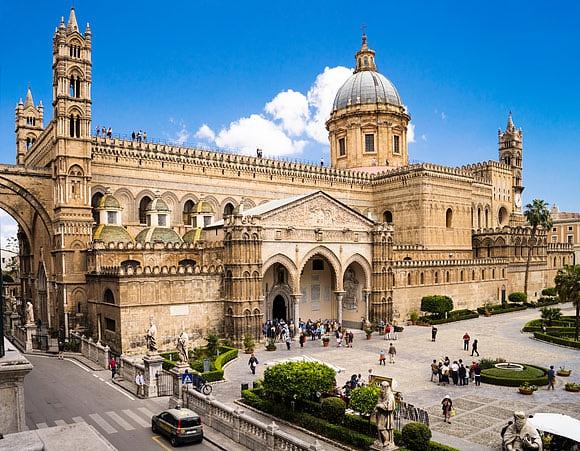 Italienische Kulturhauptstadt 2018 Entdecken Sie die Kathedrale, den Normannenpalast und viele weitere fabelhafte Sehenswürdigkeiten