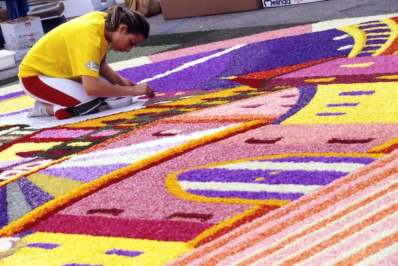 New Images > Floral Art in Spello The colours of the traditional Infiorata of Spello in Umbria